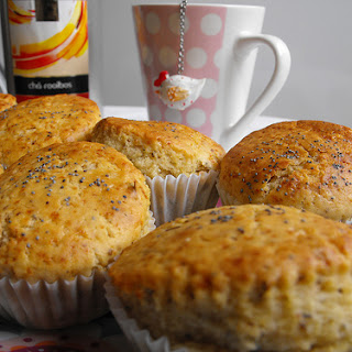 Rooiobos with Wild Berries Tea Muffins.