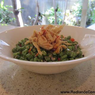 Indonesian Shredded Chicken with Garlic Chili Hot Sauce (Ayam Plecing Sambal Iju), Ep140