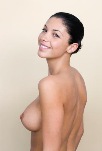 bikini små bryster granny ansigtsbehandlinger