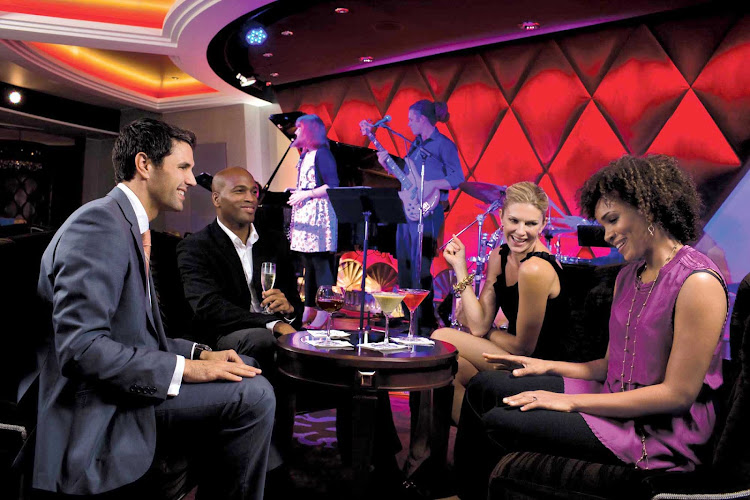Jazz bar on deck 4 of Oasis of the Seas is a cozy lounge showcasing live jazz and blues.