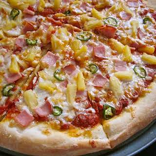 Spicy Hawaiian Pizza.