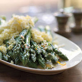 Asparagus with Chopped Egg and Vinaigrette