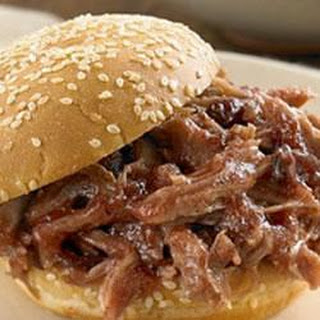 Slow-Cooker Sweet and Smokey Barbecue Pulled Pork Sandwiches