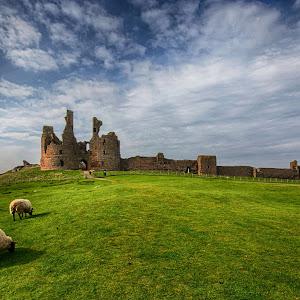 Dunstanburgh Castle 03.jpg