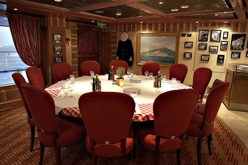 Carnival-Cruise-Lines-dining-Cucina-Del-Capitano-seating - Dine at the Captain's Table of Cucina del Capitano during your Carnival cruise.
