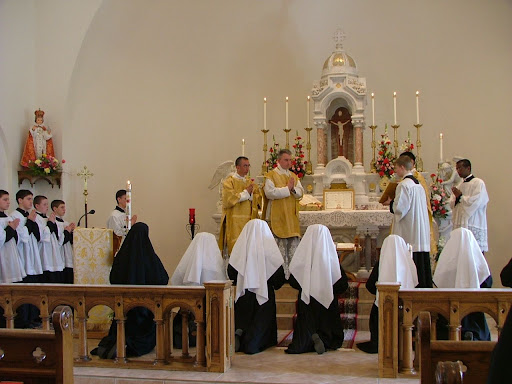 Sisters of the SSPX, Browerville, Minesota, USA. 聖ピオ十世会のシスター会、アメリカ合衆国ミネソタ州の修練院にて。2008年3月30日