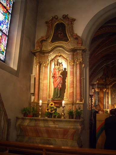 Notre-Dame de Bourgillon a Fribourg フリブール(スイス)のブルギヨンの聖母マリアの聖堂にて