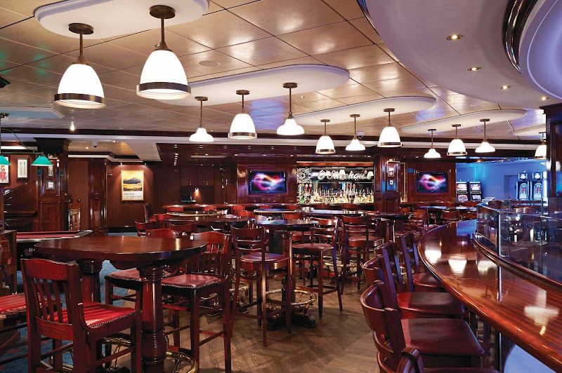 Head to O'Sheehan's on Norwegian Getaway if you're looking for American comfort food, a cool beer or just a cozy place to hang out.