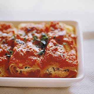 Manicotti with Tomato Sauce