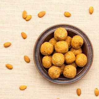 Peanut Butter & Quinoa Protein Balls