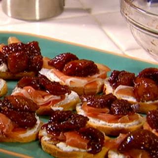 Winey Figs, Prosciutto and Ricotta Crostini Recipe