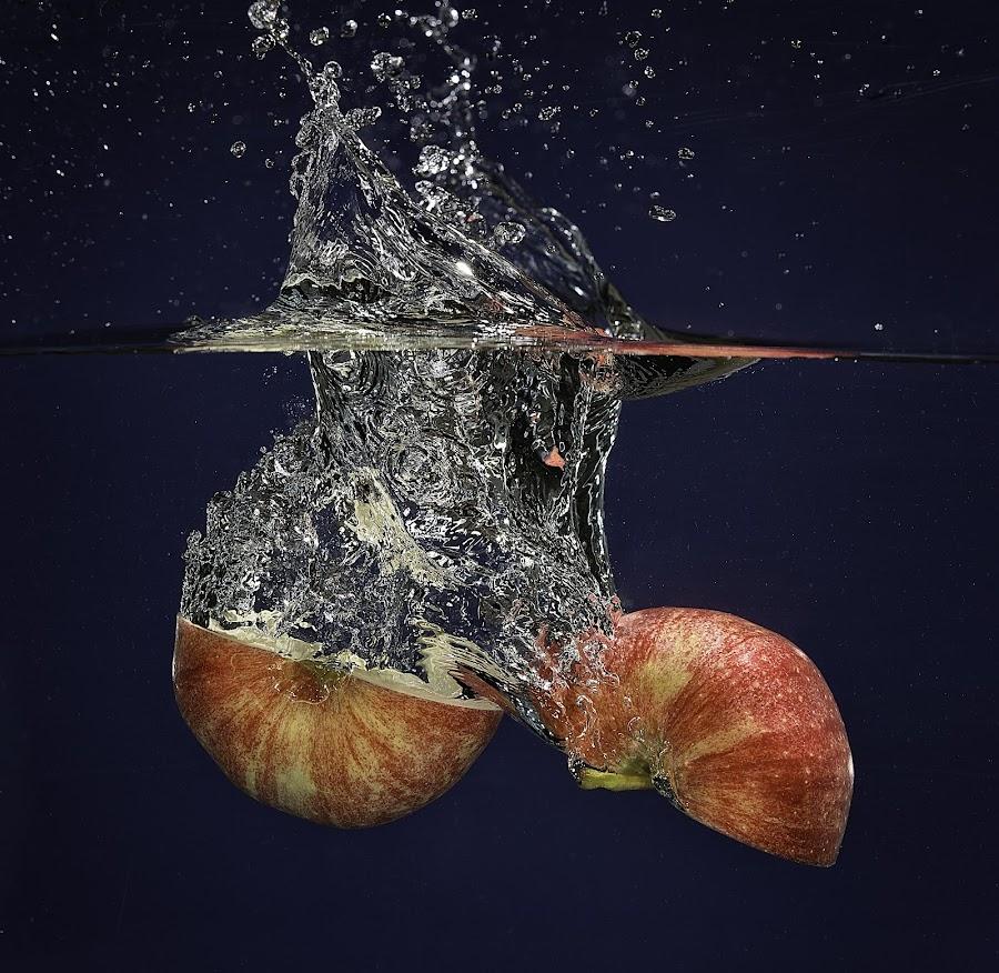 Apple Split by Troy Wheatley - Food & Drink Fruits & Vegetables ( water, red, splash, apple, split,  )