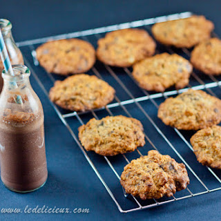 Banana, Oat & Walnut Chocolate Chip Cookies
