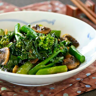 Stir Fry Gai Lan (Chinese Broccoli)