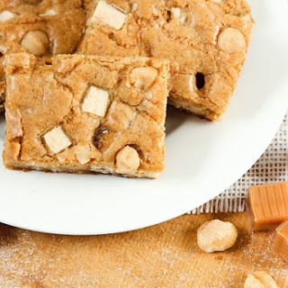 White Chocolate Caramel Macadamia Bars