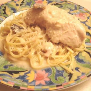 Slow Cooker Garlic Chicken Alfredo.