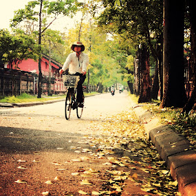 Deep way by Lê Thị Thanh  Tâm - People Street & Candids