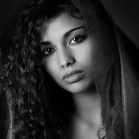 Alina by Giovanni Bartolomeo - People Portraits of Women ( womans, black and white, woman, portraits, portrait )