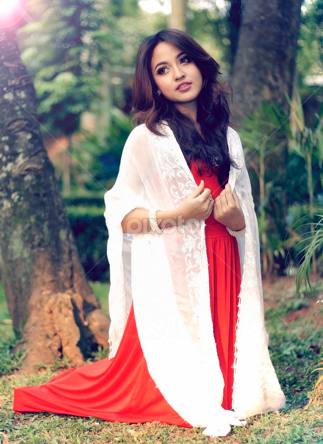 cute zein in red n white by Indra Wahyudi - People Fashion