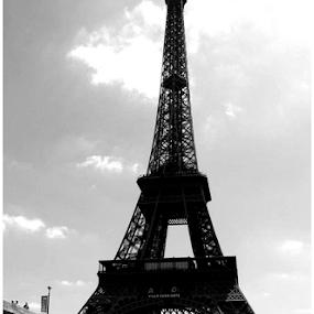 Eiffel Classique by Christopher Charlton - Buildings & Architecture Statues & Monuments ( eiffel tower, paris, black and white, france, travel, bridges )