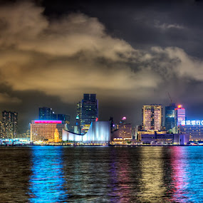 Hong Kong - Victoria Harbour - Kowloon Night Skyline by Fa Ve - City,  Street & Park  Skylines ( hong kong, skyline, kowloon, cloud, night, light, reflex, skycraper, china )