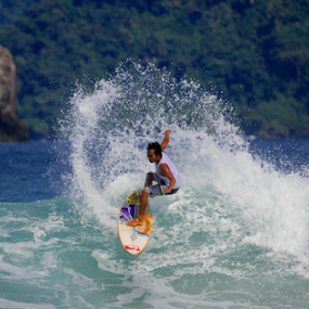 RED ISLAND by Aris Setiarso - Sports & Fitness Surfing