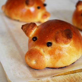 Sausage-Stuffed Piglet Buns