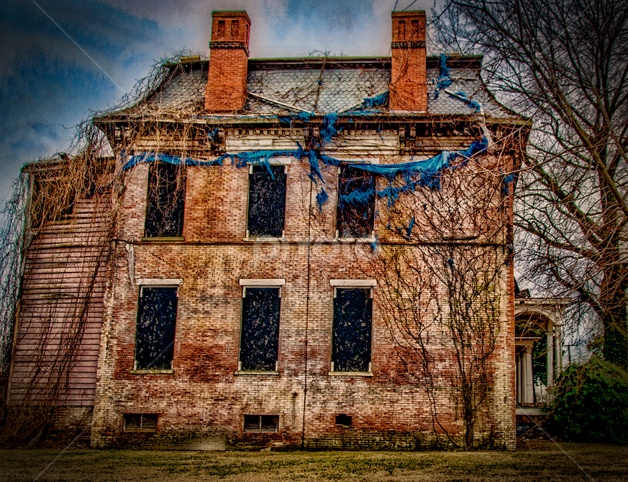 is it haunted by Lennie L. - Buildings & Architecture Decaying & Abandoned ( abandoned, building,  )