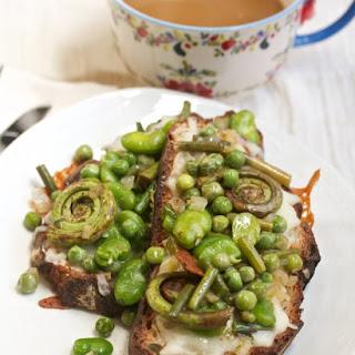 Crazy Spring Veggie Cheesy Toasts