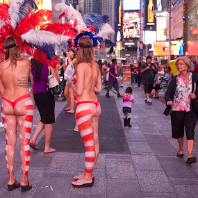 Time Square Sales Pitch by Alan Roseman - City,  Street & Park  Street Scenes ( new york city, nyc, summertime,  )