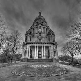 Ashton Memorial by Simon Sweetman - Black & White Buildings & Architecture ( memorial, park, lancashire, ahton, lancaster,  )