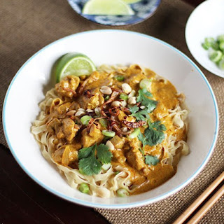 Egg Noodles in Rich Chicken Curry Sauce (Khao Soi)