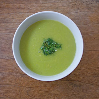 Asparagus Soup With Chickpeas and Gremolata
