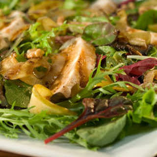 Caramelized Apple Salad With Grilled Chicken.