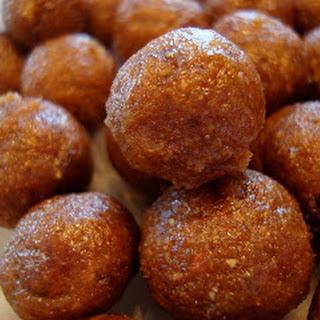 No-Bake Vegan Rum Cake Balls