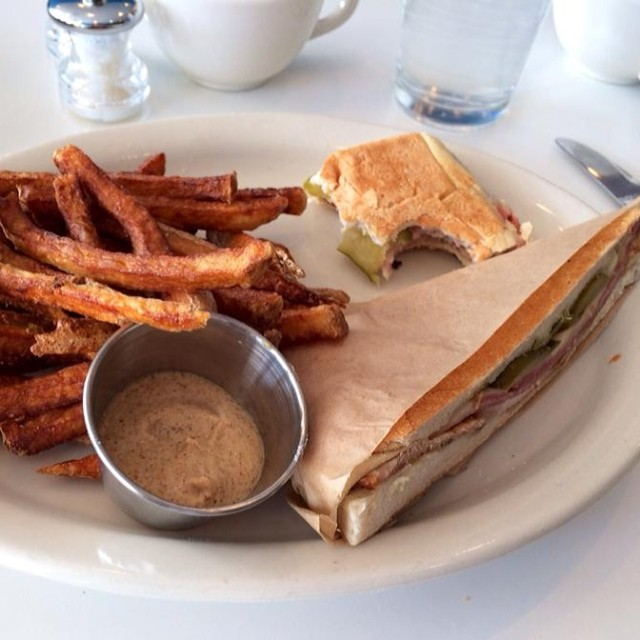 Mixto Cubano sandwich, Gluten Free version available. (Photo credit: brie1018 on Instagram)