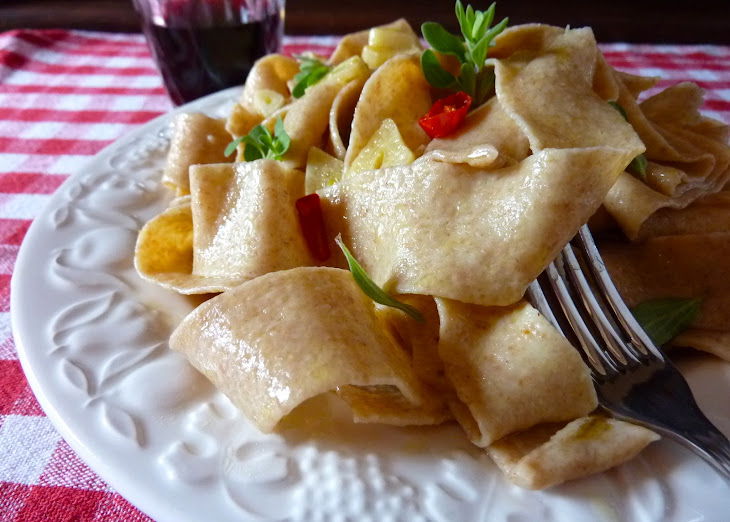 Whole Wheat Pappardelle with Garlic, Oregano and Cherry Tomatoes Recipe