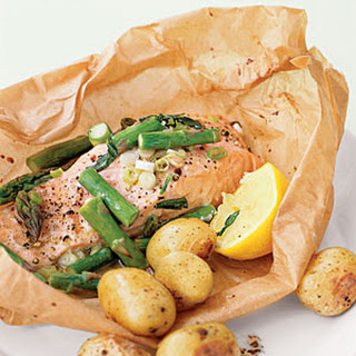 Steamed Salmon and Asparagus in Parchment