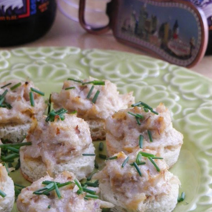 Garlicky Crab Bites Recipe