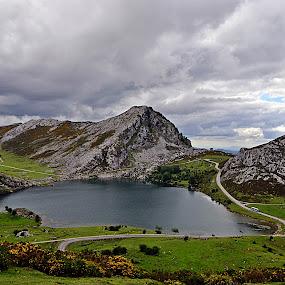 Picos de Europa by Lidia Noemi - Landscapes Mountains & Hills ( españa, asturias, picos de europa, cantabria, montaña,  )