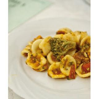 Pasta Met Broccoli, Ansjovis En Kerstomaatjes