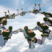 Sky Diving HD Live Wallpaper