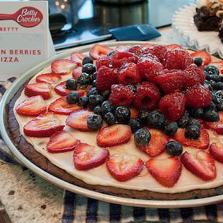 Brownies 'n Berries Dessert Pizza
