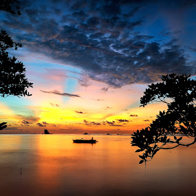 I Am Alone  by Bob Shahrul - Landscapes Sunsets & Sunrises ( clouds, strik, waterscape, silhouette, moment, clouds and sea, malaysia, beach, seascape, boat, sunset, long exposure, golden, slow shutter, labuan )