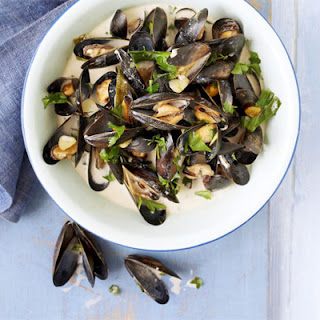 Steamed Mussels with Cider, Spring Onions & Cream Recipe