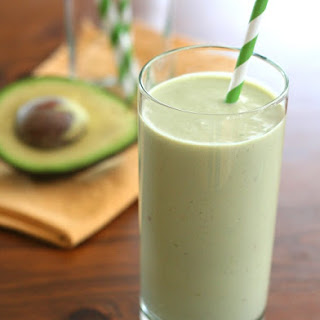 Avocado Green Tea Power Shake – Low Carb and Gluten-Free