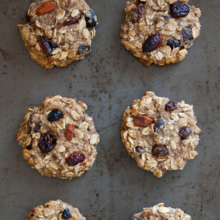 Healthy Banana Oatmeal Cookies.