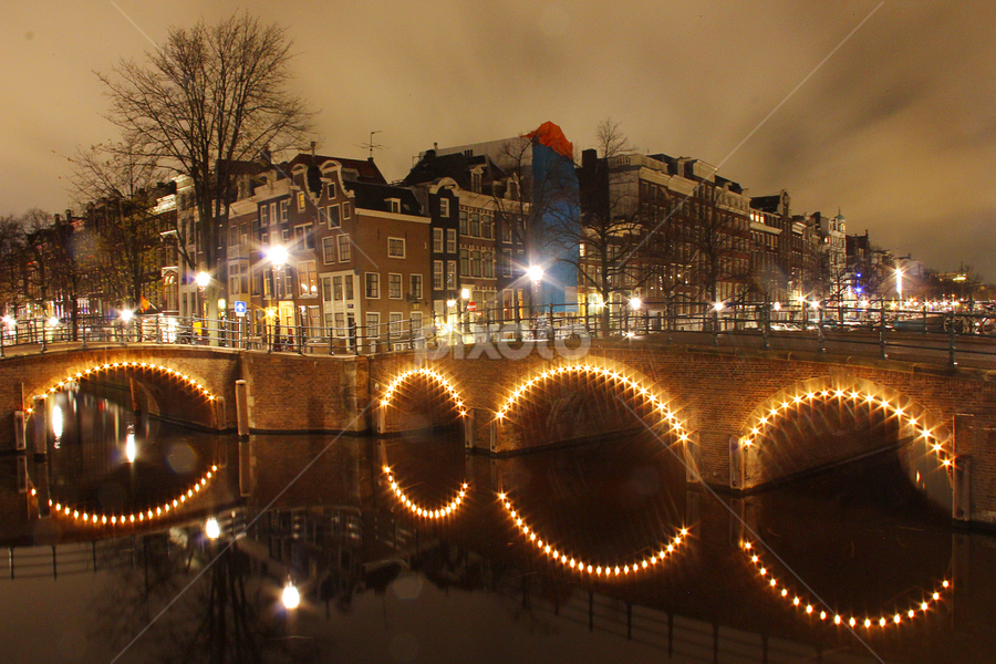 Sparkling Amsterdam by Saahil Karkera - Buildings & Architecture Bridges & Suspended Structures ( herengracht, night, amsterdam, canal, bridge )