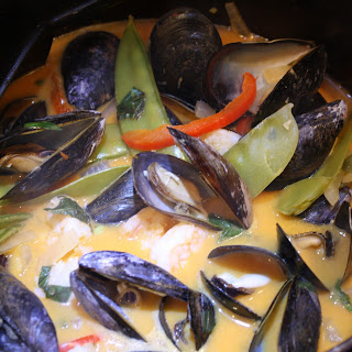 Red Curried Mussels.