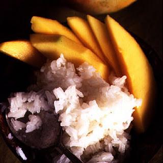Kao Niow Mamuang (Sticky Rice with Mangoes)
